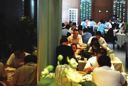 传统餐饮仍是主流 互联网+餐饮市场仅占比4%